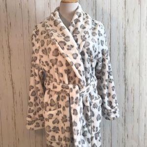 Sonoma Heart Shaped Animal Print Robe Very Soft